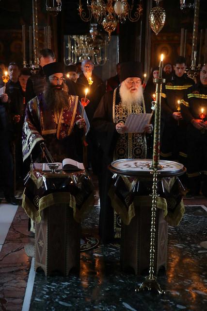 Архиепископ Амвросий возглавил служение панихиды по почившим игуменам и братии Ватопеда, а также воскресную вечерню и повечерие