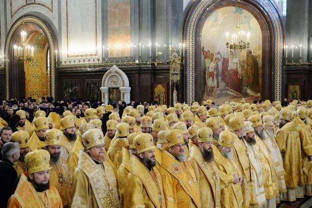 Архиепископ Амвросий принял участие в торжествах по случаю годовщины интронизации Святейшего Патриарха Кирилла