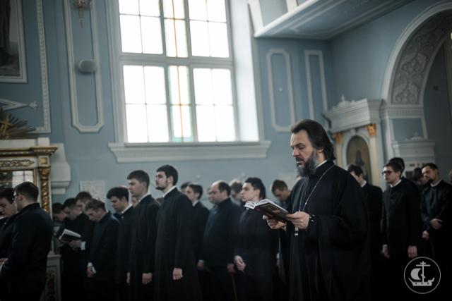 В Академии завершился первый день Святой Четыредесятницы