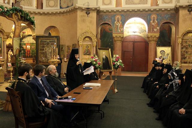 Заведующий аспирантурой выступил на вечере памяти архимандрита Кирилла (Начиса)