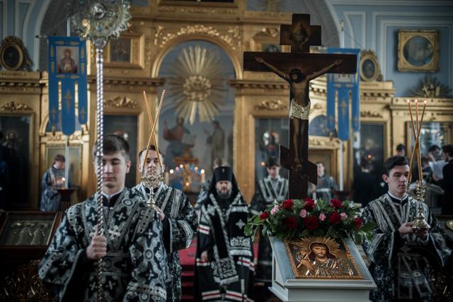 В Академическом храме прошли богослужения Великого Пятка