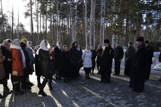 На Светлой седмице воспитанницы Факультета церковных искусств совершили паломничество к святыням Уральской земли