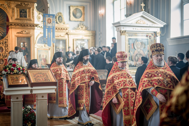 Два студента Духовной Академии приняли священный сан в Неделю Жен-Мироносиц