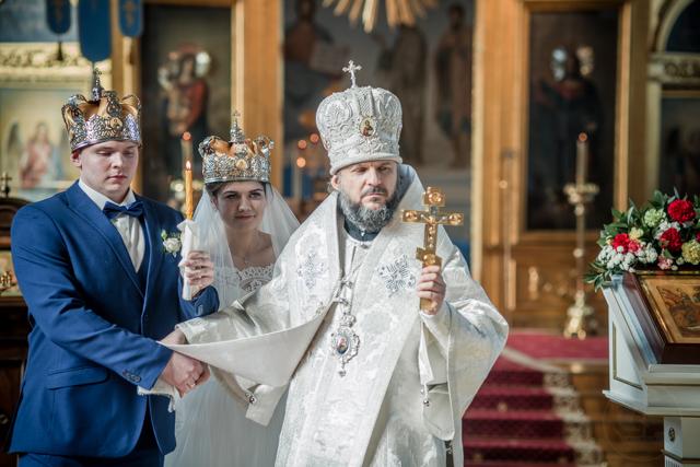 Архиепископ Амвросий совершил Таинство венчания студентов Академии