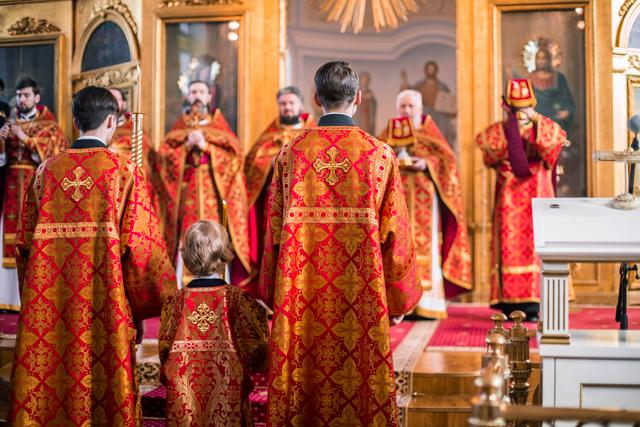 В неделю о расслабленном в Духовной Академии совершены воскресные богослужения