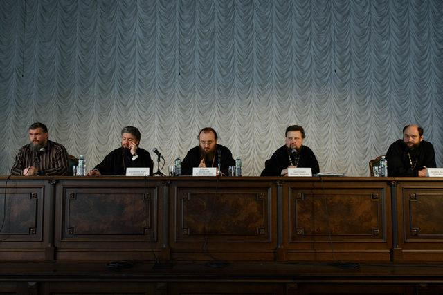 Проректор Академии выступил с докладом на семинаре, посвященном вопросам воспитания студентов духовных школ