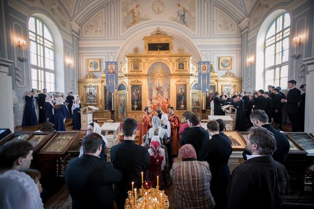В пятую неделю по Пасхе в Духовной Академии совершены воскресные богослужения