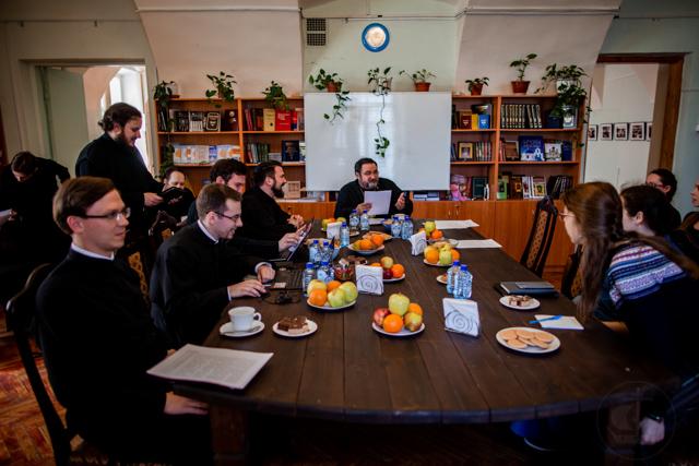 В Академии прошел Книжный стол, посвященный вопросам воспитательного процесса в духовных школах дореволюционного периода