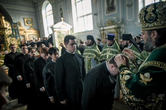 В праздник Святой Троицы два студента Духовной Академии приняли священный сан