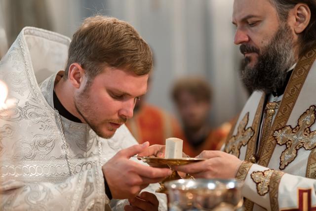 В праздник Рождества Иоанна Предтечи в Духовной Академии совершена священническая хиротония
