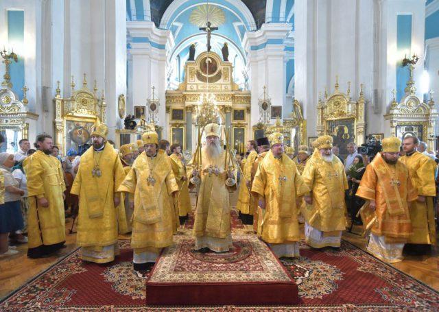 В день 1030-летия Крещения Руси епископ Серафим сослужил митрополиту Санкт-Петербургскому и Ладожскому Варсонофию