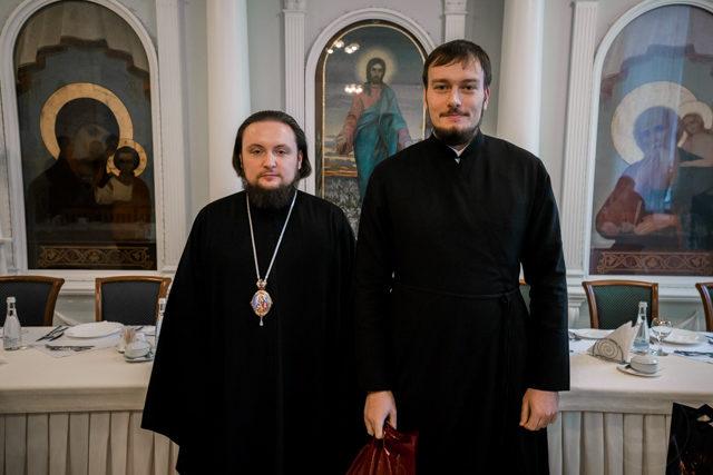 Епископ Серафим наградил победителей академических соревнований