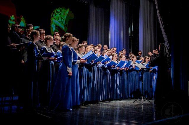 Студенты Духовной Академии посетили Великий Новгород и приняли участие в дне памяти митрополита Никодима (Ротова)
