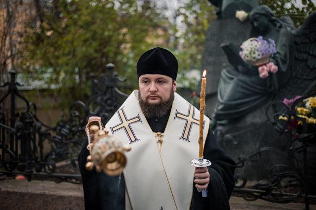 Ректор Духовной Академии совершил заупокойную литию на могиле П. И Чайковского