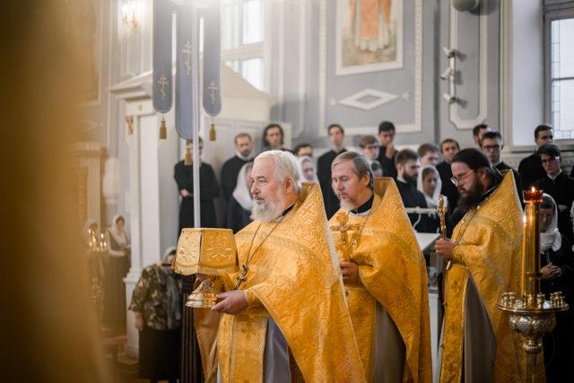 В Академии прошли богослужения воскресного дня