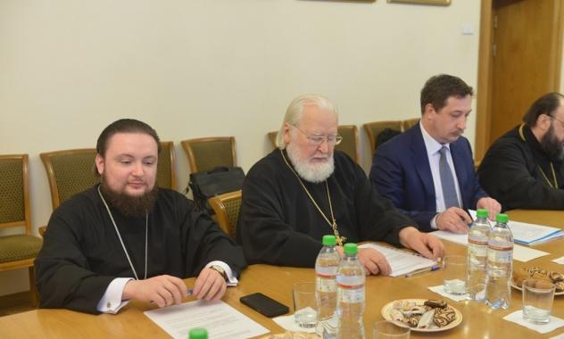 Ректор и проректор по учебной работе Духовной Академии обсудили вопросы преподавания теологии в вузах на заседании ОВЦС